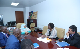 Participants to the meeting between UNFPA and the Commission of Social Affairs